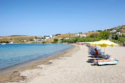 Livadia: People relaxing on Livadia beach