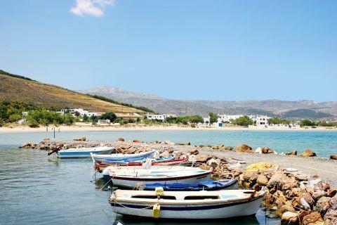 Molos: Small fishing boats