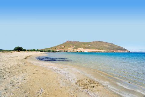 Molos: Sandy beach