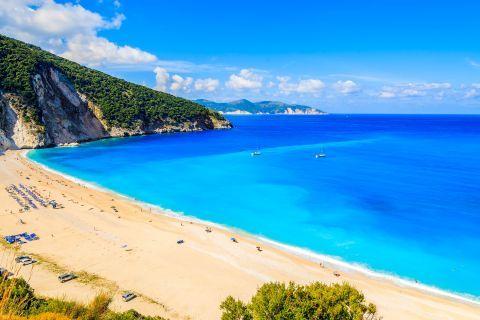 Myrtos: Panoramic view of Myrtos beach