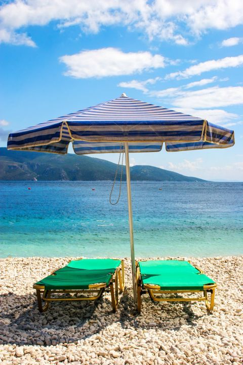 Moments of tranquility on Antisamos beach