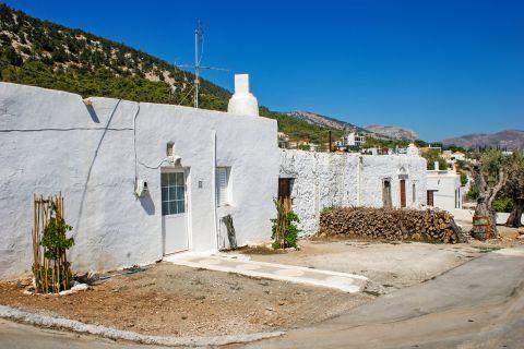 Monolithos: A whitewashed house.
