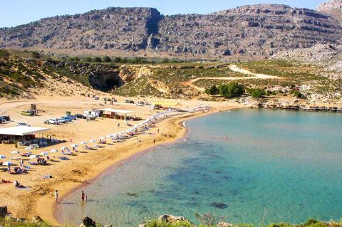 Agathi: Crystal clear waters, sandy beach.