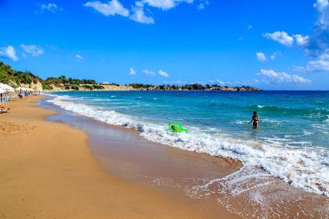 Pefki: Sandy beach.