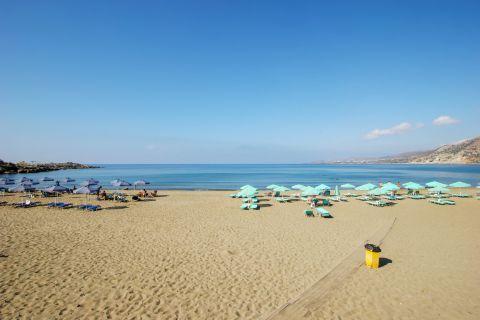 Pahia Ammos: Popular, family-friendly beach