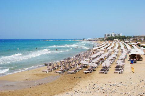 Amnissos:  Amnissos beach