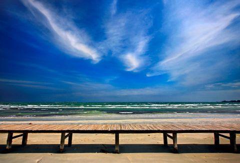Keros: Impressive view of Keros beach on a windy day
