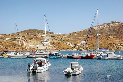 Ormos: Fishing and sailing boats
